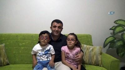 Baba görmeyen gözleri ile çocuklarının gözü oldu