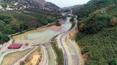 destina -  Heyelan ile oluşan Sera Gölü sel kurbanı oldu