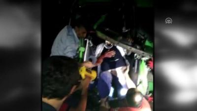 Adana'da tır ile kamyon çarpıştı: 2 yaralı