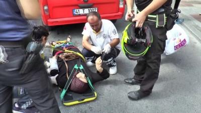 hastane -  Durakta bekleyen kadına dolmuş çarptı