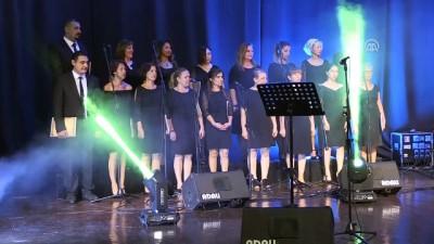 Onkoloji Servisi korosundan Gaziler Günü konseri - AYDIN