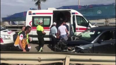 hastane - Trabzon'da otomobil ile hafif ticari araç çarpıştı: 2 yaralı
