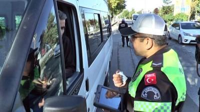 Trafik ekiplerinden öğrenci servislerine sıkı denetim
