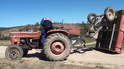 hastane - Traktör römorku devrildi: 2 ölü - KÜTAHYA