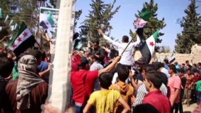 -Fırat Kalkanı Bölgesinde Esad'a Karşı Gösteriler Yapıldı