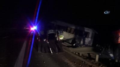 jandarma -  Gaziantep'te tarım işçilerini taşıyan minibüs devrildi: 15 yaralı