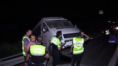 Tarım işçilerini taşıyan minibüs devrildi: 15 yaralı - GAZİANTEP