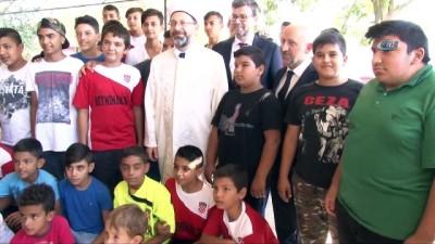 """Diyanet İşleri Başkanı Erbaş'dan ebeveynlere çağrı: """"Buluğ çağına kadar çocuklarımıza ibadetlerin nasıl yapılması gerektiğini öğreteceğiz"""""""