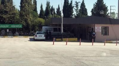 saglik ekipleri - Öğrencileri taşıyan midibüs devrildi: 2 ölü, 16 yaralı (2) - KOCAELİ