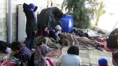 jandarma - 22 düzensiz göçmen yakalandı - BALIKESİR İzle