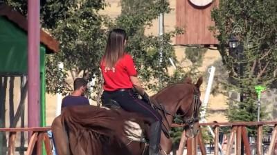 muhabir - Atlı birliğin kadın süvarisi 'polis Arzu' - KAYSERİ İzle