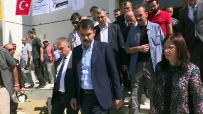 Bakan Kurum, terör mağduru vatandaşlar için yapılan konutları inceledi - HAKKARİ