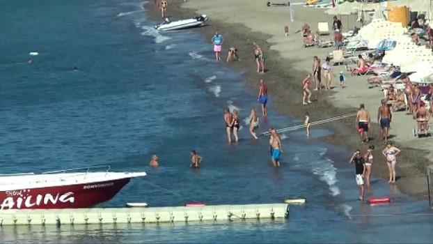jandarma -  Denizde can pazarı yaşanırken turistlerin deniz keyfi 'pes' dedirtti