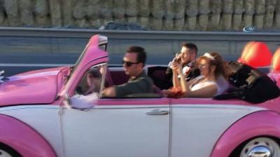gelin arabasi -  İstanbul'da nostaljik gelin arabasına motosikletli düğün konvoyu