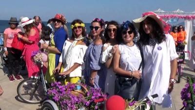 gelin arabasi -  'Süslü Kadınlar' bisikletleriyle sokaklarda
