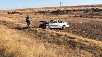 trol -  Takla atan otomobil tarlaya uçtu: 1 ölü