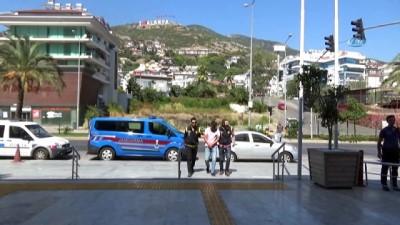 polis -  Yaklaşık 100 milyon TL'lik vurgun yapan banka müdürü İzmir'de yakalandı