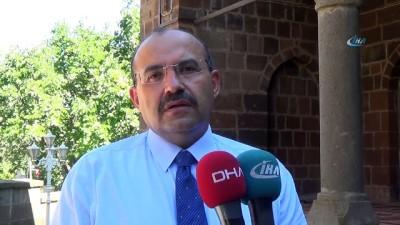 Ahlat'ta Cumhurbaşkanlığı Köşkü için yer tespit çalışması
