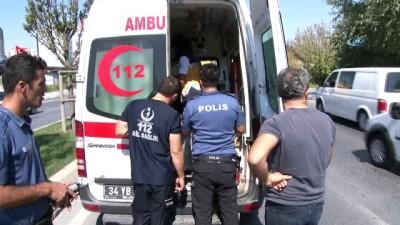 saglik ekipleri -  Kargo aracına arkadan çarpan sürücü yaralandı Haberi