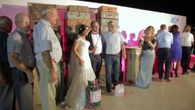 - KKTC'de ekonomik kriz düğünde tüp ve benzin hediye ettirdi