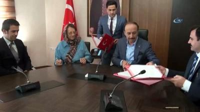 Emekli öğretmenden eğitime 350 bin lira bağış