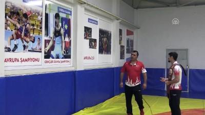 Genç dünya şampiyonunun idolü Hamza Yerlikaya - MANİSA İzle