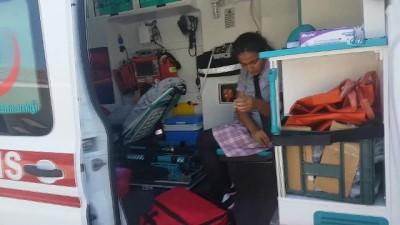saglik ekibi -  Antalya'da 50 ortaokul öğrencisi karın ağrısı şikayetiyle tedavi altına alındı