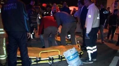 saglik ekibi -  Mecidiyeköy'de otobüs ile otomobil çarpıştı