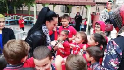 Bafra'da ilkokul öğrencilerine hayvan sevgisi aşılanıyor