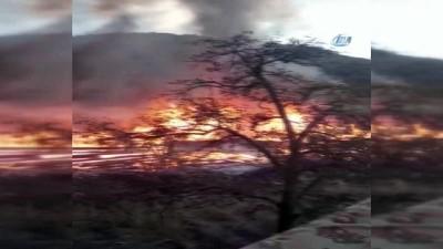 yangin yeri -  Elektrik kontağından çıkan yangında 8 ev kullanılamaz hale geldi