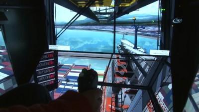Tonlarca ağırlıktaki konteynerler 1.5 kilometre öteden kontrol ediliyor