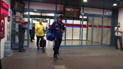 Fenerbahçe, Çaykur Rizespor maçı için Trabzon'a geldi