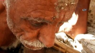 - Yemen'de Bombalanan Evin Enkazından Canlı Çıkarıldı