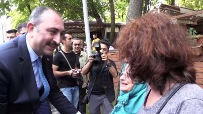 Adalet Bakanı Gül, esnaf ziyaretinde bulundu - SAKARYA