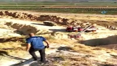 Polis, yaralı Suriyeli kadını sırtında 2 kilometre taşıdı