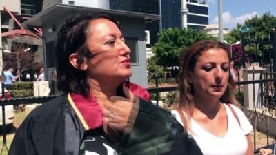 Çocuğunun gözleri önünde kocasından işkence gören kadın boşanıyor