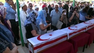 kimlik tespiti - Kıbrıs şehitlerine 44 yıl sonra cenaze töreni - LEFKOŞA