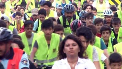 makam araci -  Başkanlar makam aracından inip vatandaşlarla bisiklet sürdü