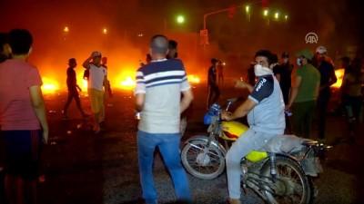 Basra'da İran Başkonsolosluğu yakıldı - BASRA