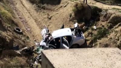 Trafik kazasında anne ve baba öldü, çocukları yaralandı - UŞAK