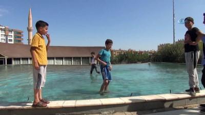 grup genc -  Boğulmalara rağmen gençler sulama kanallarında serinlemeye devam ediyor