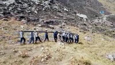 salda -  Kesintisiz elektrik için direkleri bin 618 metreye taşıdılar