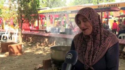 Köylü kadınlar yöresel lezzetleri tanıttı - KIRKLARELİ