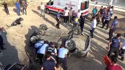 Otomobil takla attı: 2 ölü, 3 yaralı