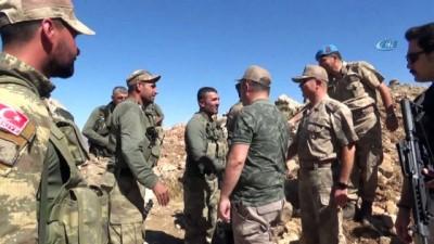 Askere moral ziyaretinde bulunan Siirt Valisi Atik: 'İnlerini kafalarına yıkacağız'