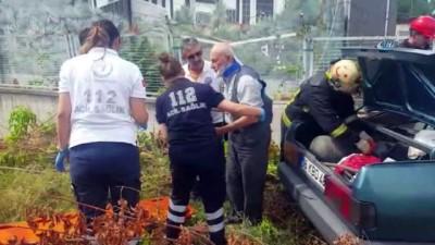 yasli adam -  Duvara çarpan otomobil hurdaya döndü