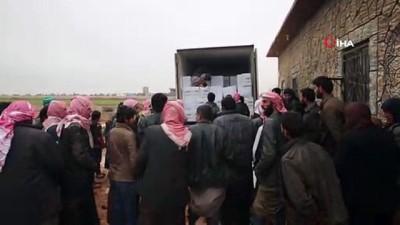 Çadırda yaşayan Suriyelilere gıda yardımı