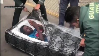 ispanya - Video | Koltuk minderinden kaçak göçmen çıktı