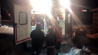 Karda mahsur kalan anne ve 2 günlük bebeği 3,5 saatlik çalışma ile kurtarıldı