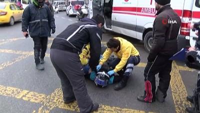 Kaza yapan motosiklet sürücüsünü arkadaşı bir an olsun yalnız bırakmadı